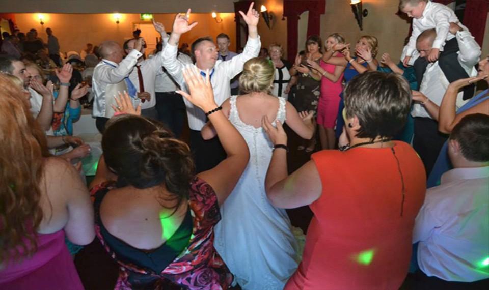 DJ-wedding-image1